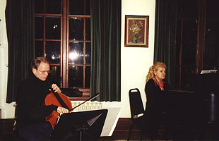 Rehearsing with Irina Schnittke in Schnittke's Hamburg apartment